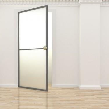 Porta de vidre amb marc